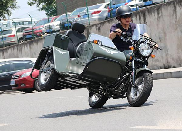 Finally, a shaft-drive, sidecar-equipped minibike