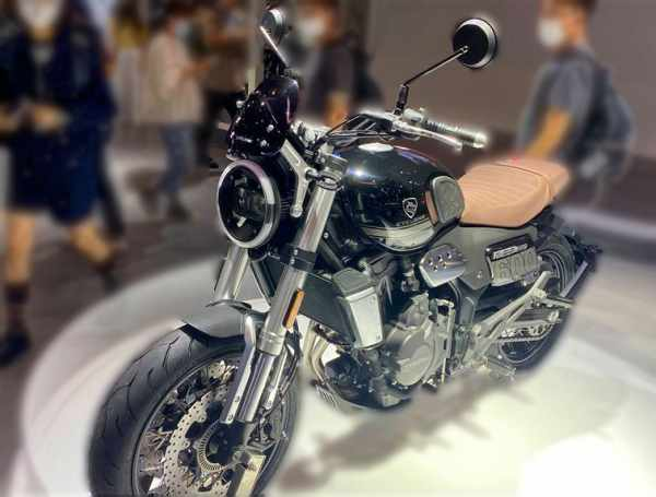 Zongshen Cyclone RE5 motorcycle