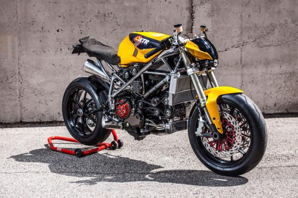 Turning a Ducati 848 into a streetfighter…