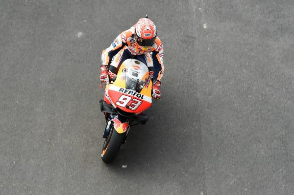 Marquez keeps clear of Vinales, Dovizioso hits trouble