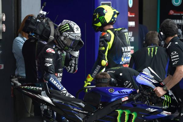 Fast Friday for Vinales, Rossi