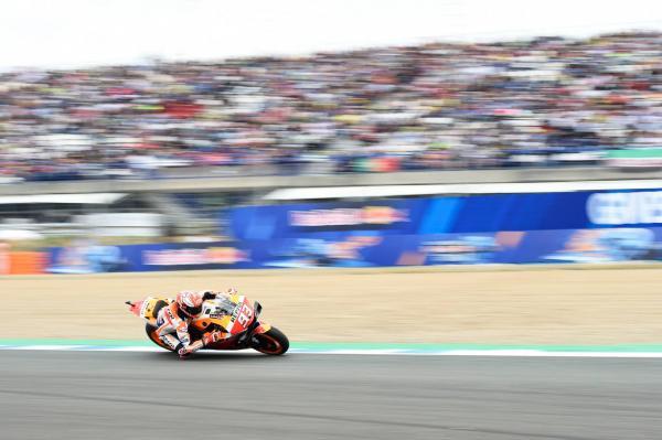 Marquez in control at Spanish MotoGP to regain points lead