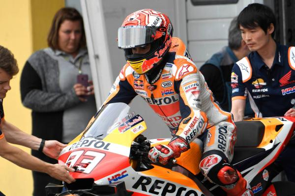 """Marquez """"even faster"""" with carbon-covered Honda but not ready to race"""