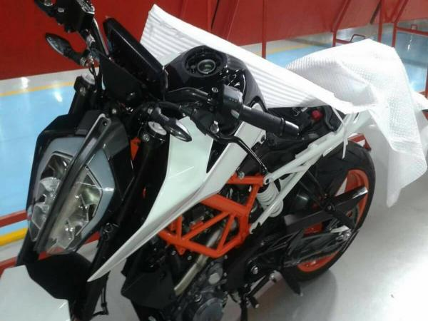 Updated KTM 390 Duke spotted in India