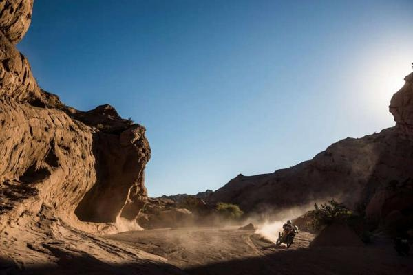 Dakar: Sunderland extends overall lead as Barreda takes stage win