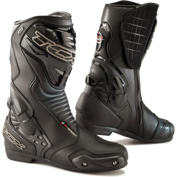 Top 10 summer boots in association with GetGeared