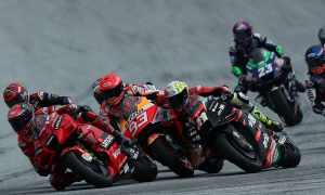 Aleix Espargaro, Marc Marquez - Aprilia, Honda