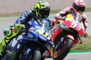 Valentino Rossi, Marc Marquez - Yamaha, Honda.jpg