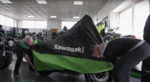 Jonathan Rea gets his first Kawasaki motorcycle