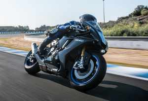 Yamaha R1M Silverstone Experience 2021